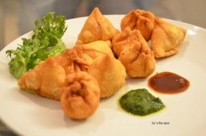 mini-potli-samosa-haldirams-indian-snack-lentil-yellowgram