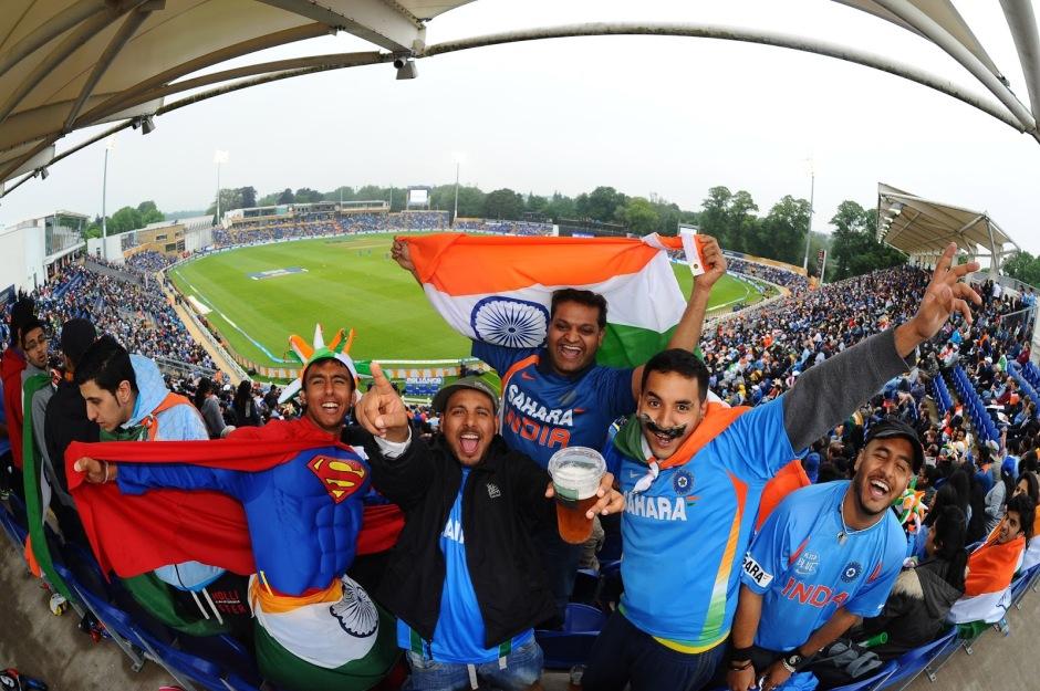WNS_Cricket_Fans_26