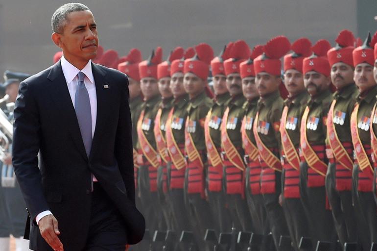 โอบามาตรวจแถวทหารกองเกียรติยศ (ภาพ: AP Photo)