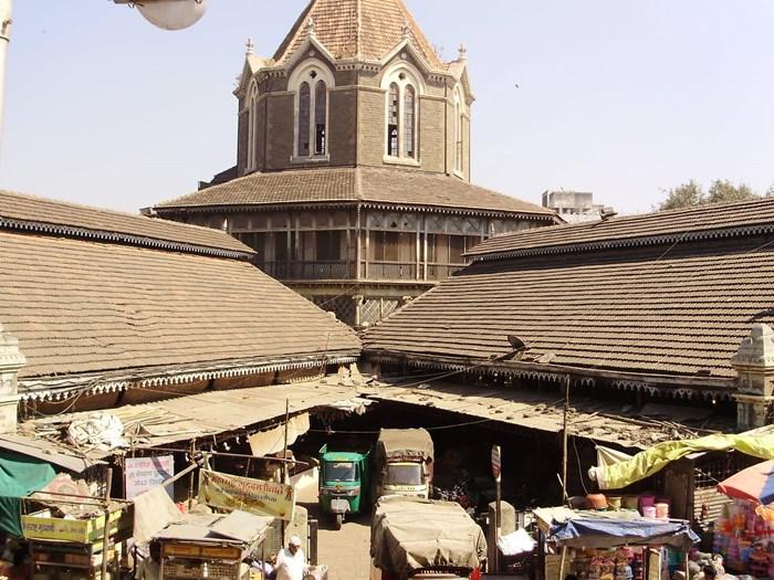 Mandai  หรือMahathma Phule Mandai ปัจจุบันกลายเป็นตลาดผักที่ใหญ่ที่สุดในปูเณ่ ซึ่งตั้งอยู่ใจกลางเมือง ในเขตพื้นที่ Shukrawar Peth
