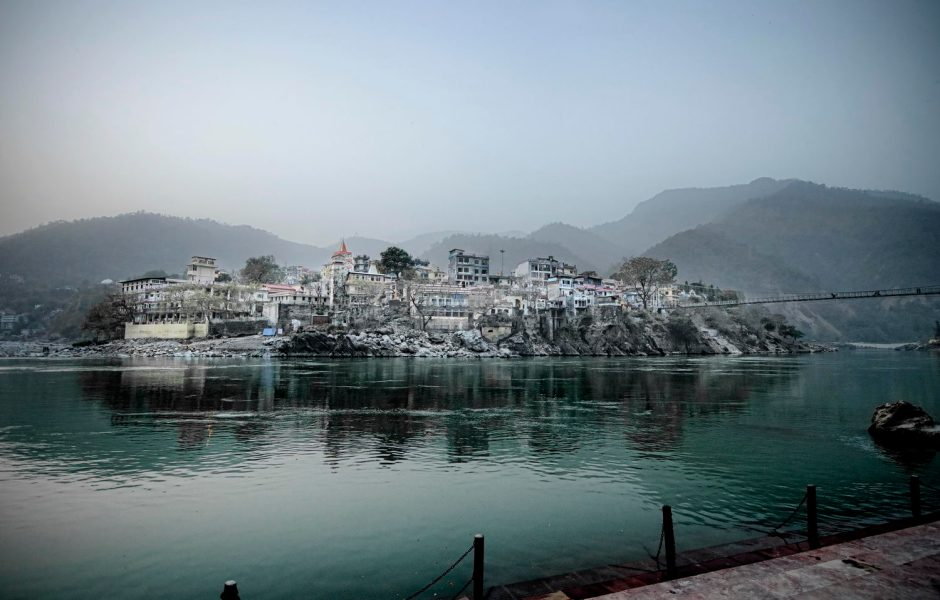 Laxman-Jula-Main-Side-of-Rishikesh-2012-03-221